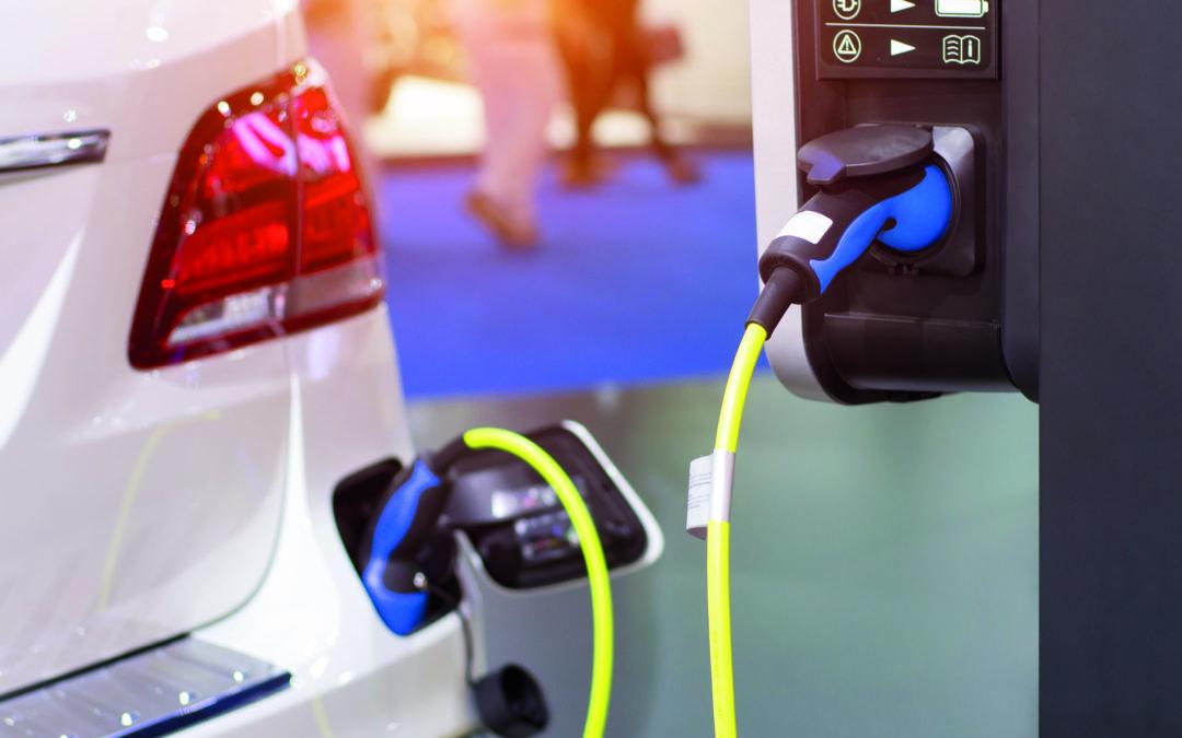 Umfrage bei Neuwagenkunden: Emissionsfrei ans Ziel