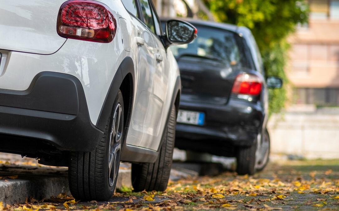 Parken auf dem Gehweg: Erlaubt oder verboten?
